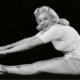 marilyn monroe practicando pilates
