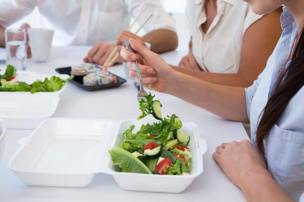 comer en la oficina